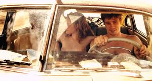 Голая Кристен Стюарт в машине – На дороге (2012)