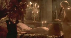 Голая Моника Беллуччи – Братство волка (2000)