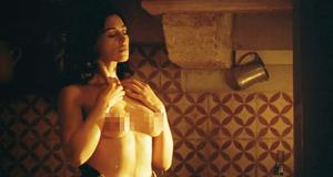 Голая грудь Моники Беллуччи – Малена (2000)